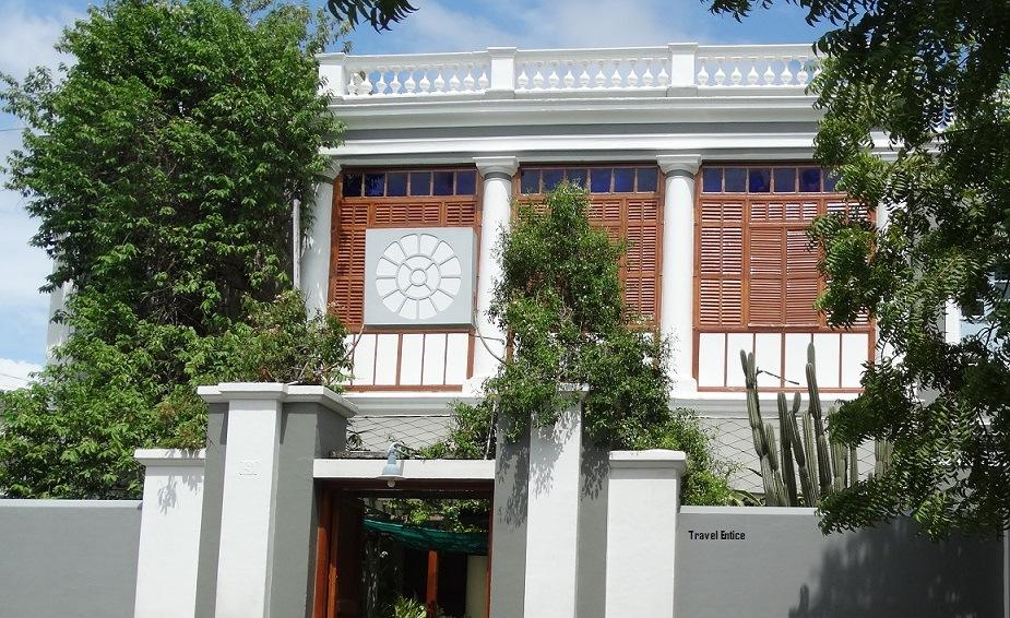 Things to Do in Pondicherry – Sri Aurobindo Ashram