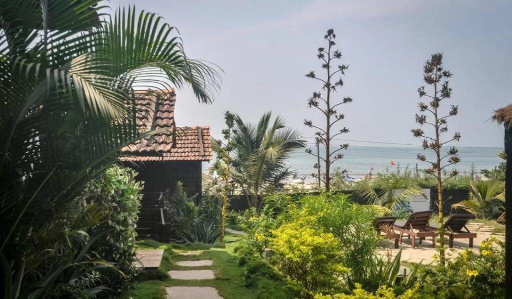 Arambol accommodation - Lotus Sutra