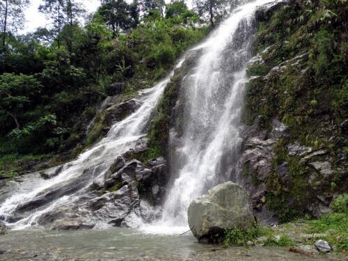 Gurudongmar Lake at Sikkim - waterfalls