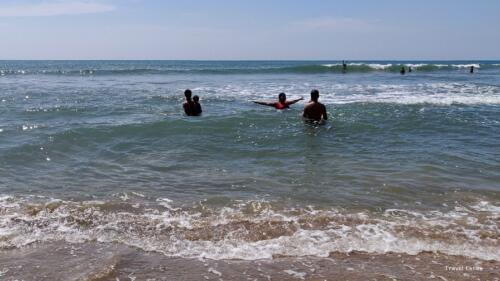 Magnificent Kalacha Beach in Goa - Bath time