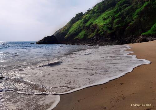 Unexplored Kakolem Beach in Goa 8