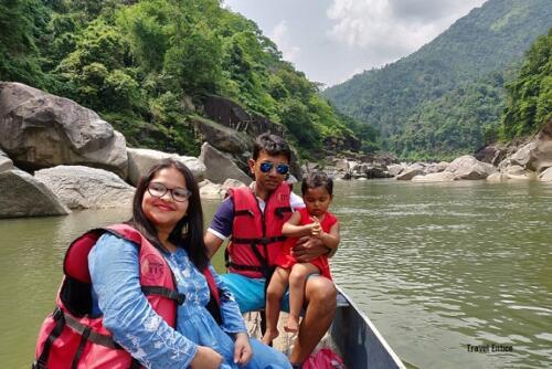 Dawki in Meghalaya: Boating at Shnongpdeng